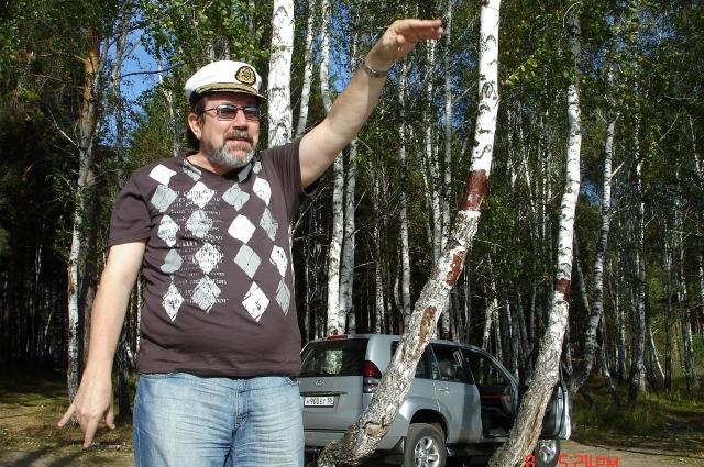 ВладимирПогодаев - бессменный режиссёр.
