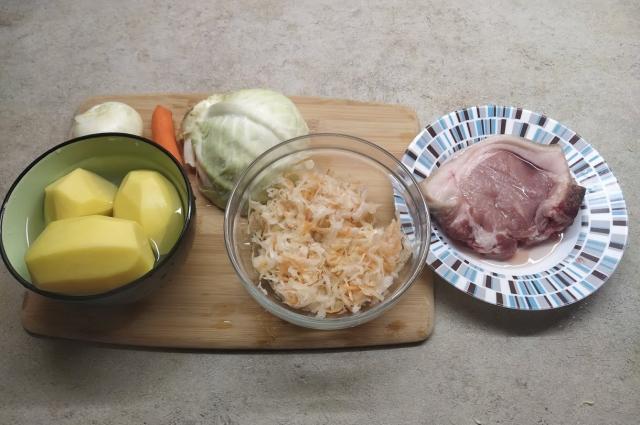 Самый главный ингредиент щей - квашеная капуста.