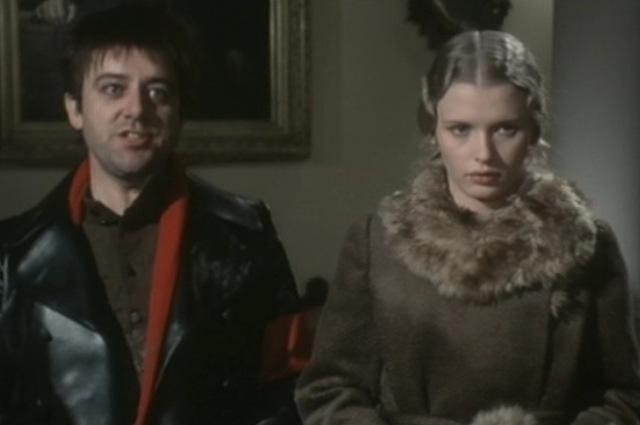 Шариков (слева) в представлении итальянцев.