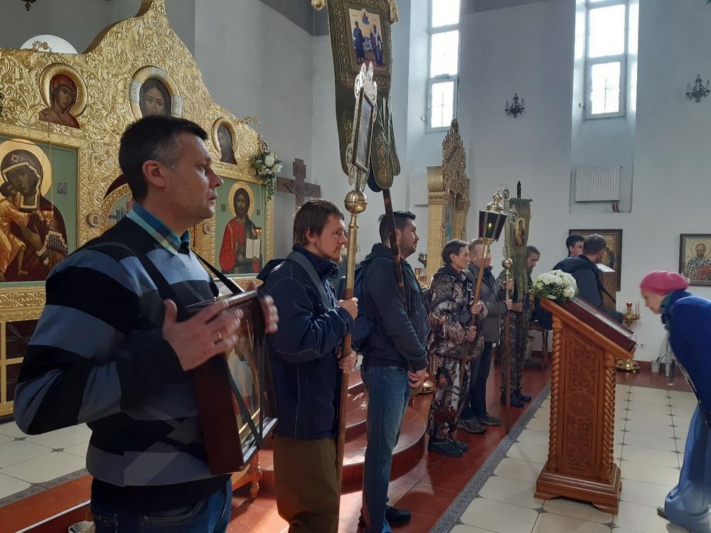 На протяжении крестного хода паломники будут участвовать в богослужениях.