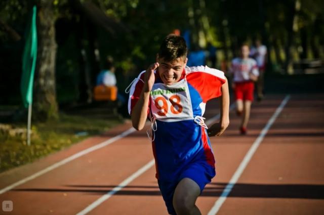 Бег, плавание, силовая гимнастика - в состязаниях проверялась скорость, ловкость и выносливость.