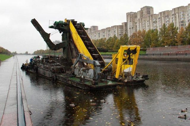 Последний раз Смоленка проходила очистку с 2002-го по 2006 год. Новый этап приведения реки в порядок начался в 2018-м.