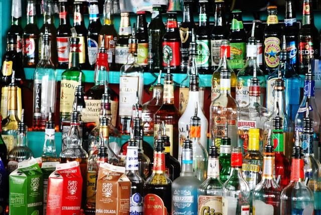 Число алкомаркетов в регионе растёт - население сокращается.