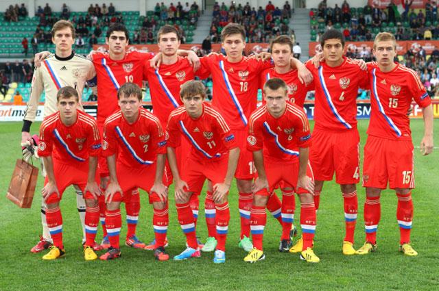 Антон Митрюшкин, капитан юниорской сборной России по футболу, признан лучшим игроком чемпионата Европы по футболу среди юниоров. 2013 год