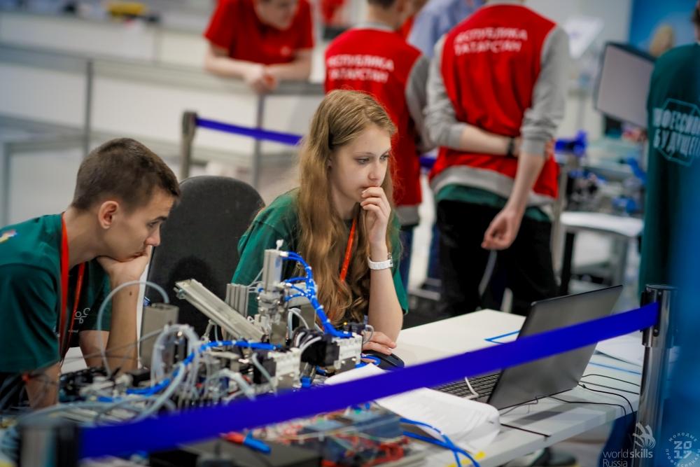 Шклоьника Арина Белова и Артем Попов стали третьими в одной из самых сложных категории конкурса
