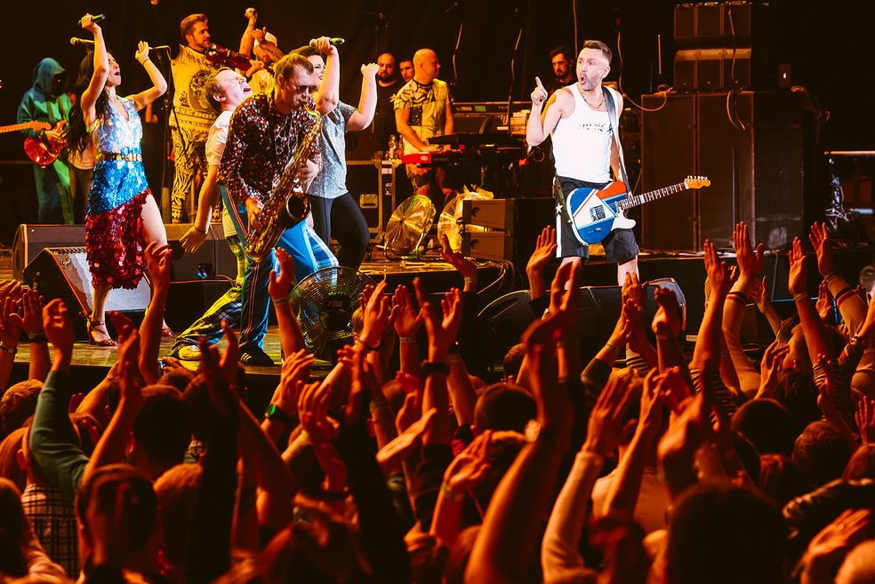 На концерт в Екатеринбурге были распроданы все билеты.
