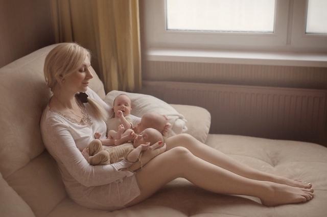 Петербурженка наслаждается своим материнством.