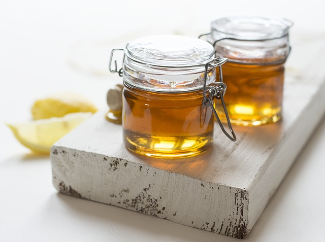 В этом сезоне 32 пчелиные семьи собрали около полутора тонн меда