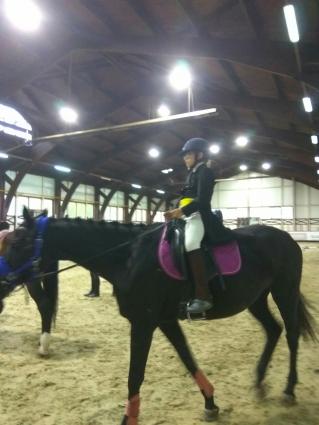 Ульяна на лошади.