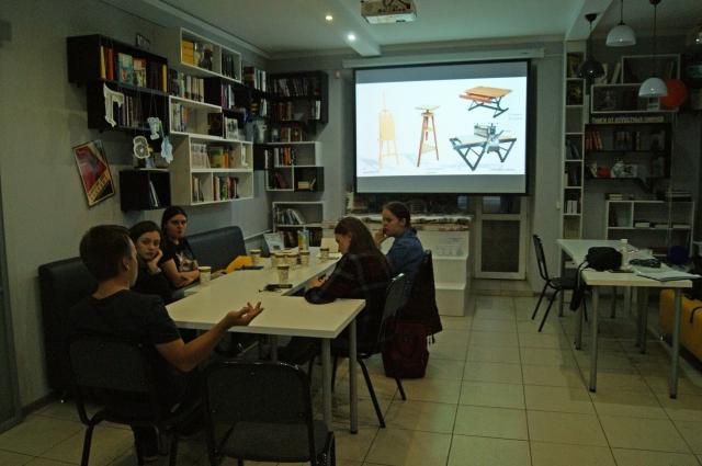Собрание команды проекта в библиотеке Квартал 5/1.