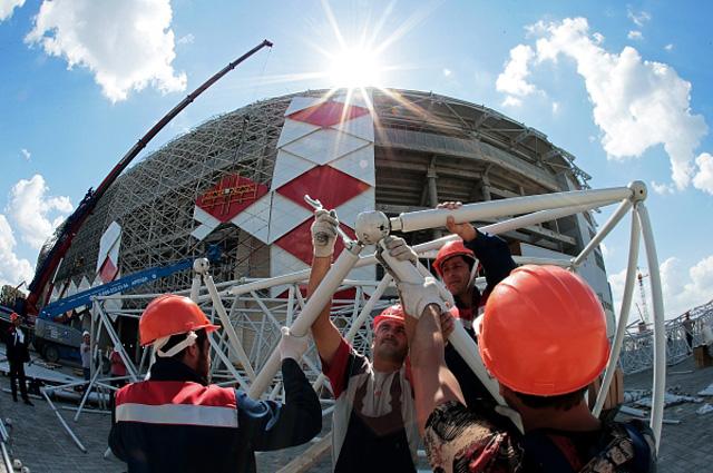 Облицовка стадиона Открытие Арена футбольного клуба Спартак в Москве
