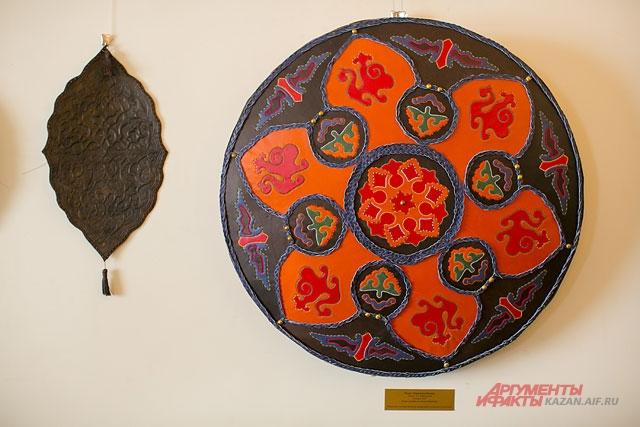 кожаная мозаика, кожевенное искусство, казанский кремль, выставка, ичиги, изделия из кожи