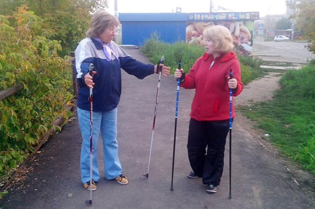Скандинавской ходьбой могут заниматься все желающие.