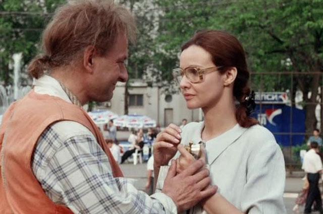 Кадр из фильма «Привет, дуралеи!», 1996 год