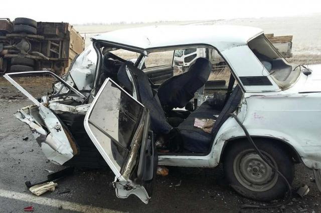 Трое пассажиров погибли.