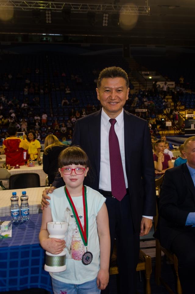 С президентом ФИДЕ Кирсаном Илюмжиновым.