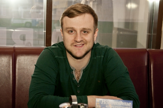 Огурцов - открытый и жизнерадостный молодой человек.
