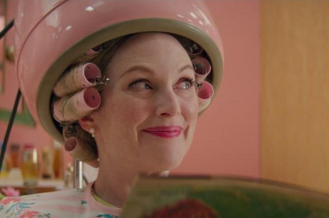 Очаровательная Джулианна Мур сыграла сразу две роли.