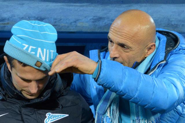 Ещё Лучано Спаллетти был очень заботливым: всегда поправлял шапочку своему помощнику