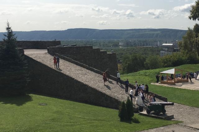Сегодня Кузнецкая крепость находится под охраной государства, и кладоискателям здесь не рады.