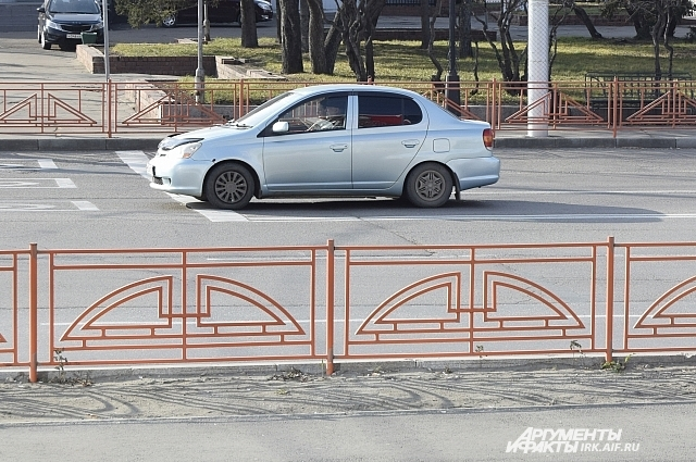 По мнению главного архитектора, в Иркутске ест ьместа, где ограждения установлены без необходимости.