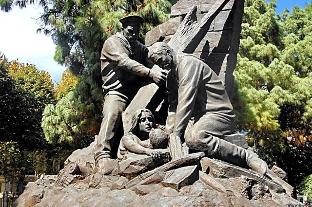 Памятник русским морякам.
