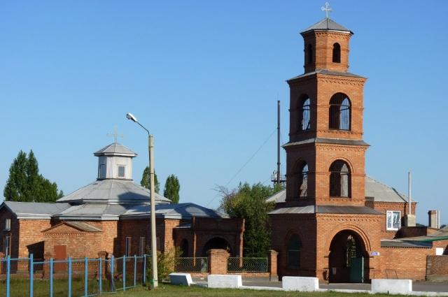 Александр Копылов выделяет деньги на ремонт местного Святогеоргиевского храма, где идёт строительство часовни.