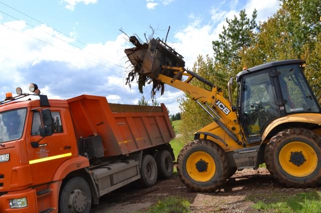 Всего на полигоны отправили более 52 тысяч т мусора – это более 3,5 тысячи специализированных машин.