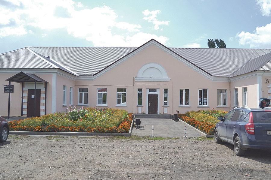 Компания «Агро Виста Тамбов» передала в дар сельсовету здание в центре Беломестной Двойни для социальных нужд.