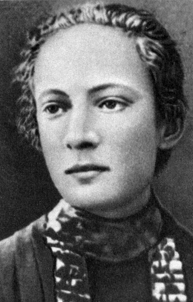 Розалия Землячка, 1903 г.