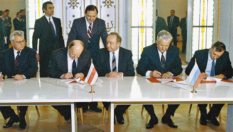 На самом деле в Беловежской Пуще трезвость была поразительная