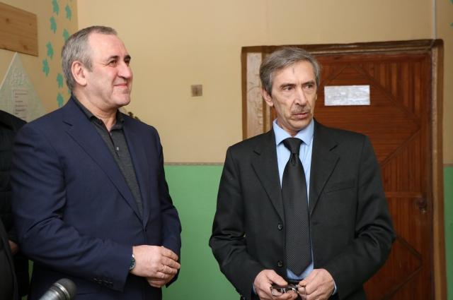 Сергей Неверов остался доволен качеством ремонта в школе.