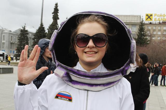 Новосибирские космонавты шлют привет далёким галактикам.