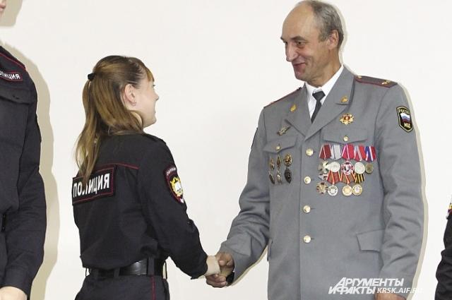 Своим опытом ветераны поделились с курсантами Сибирского юридического института.