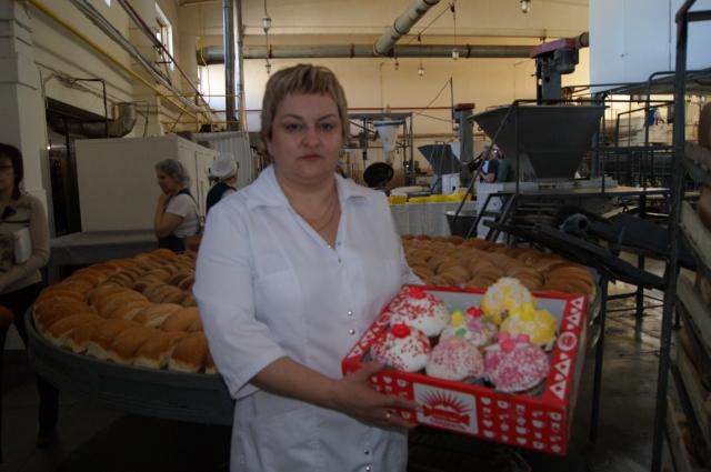 Ежегодно по традиции ЗАО «Хлебпродукт- 2» приглашает священнослужителей в «чистый четверг», чтобы осветить сырье для выпекания пасхальных куличей. Перед христианским праздником выпекается до 100 тысяч куличей разных по форме и весу от 100 грамм до 3 кг.