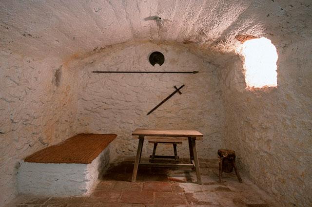 Тюремная камера, в которой Мигель не Сервантес писал своего «Дон Кихота».