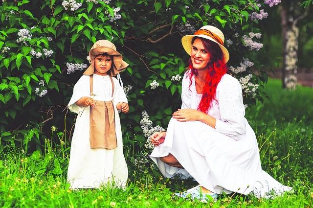 Фотосессия с дочкой, все наряды - из натуральных тканей.