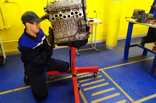 Работу участников в компетенции «Ремонт легковых автомобилей» оценивают по 86 аспектам.