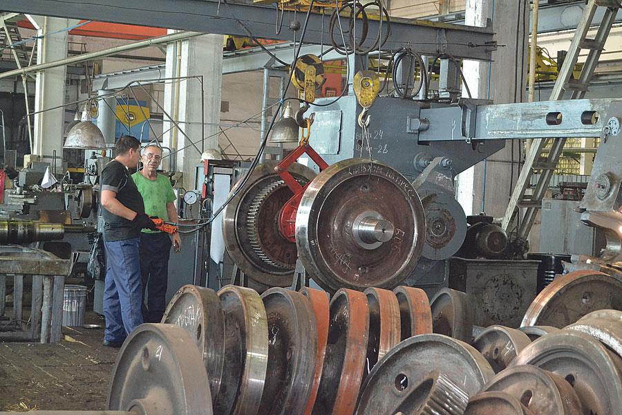 В колёсном цехе идёт обновление станочного оборудования, благодаря чему ускорится и повысится качество производства.