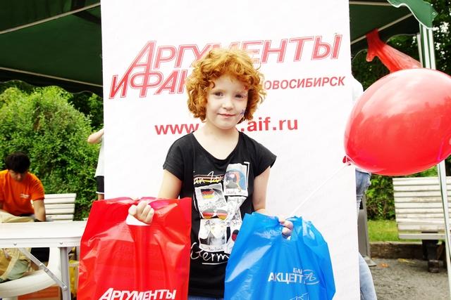 Бронзовая победительница конкурса поделок