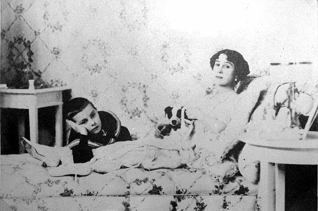 Балерина родила сына от князя Андрея Владимировича.
