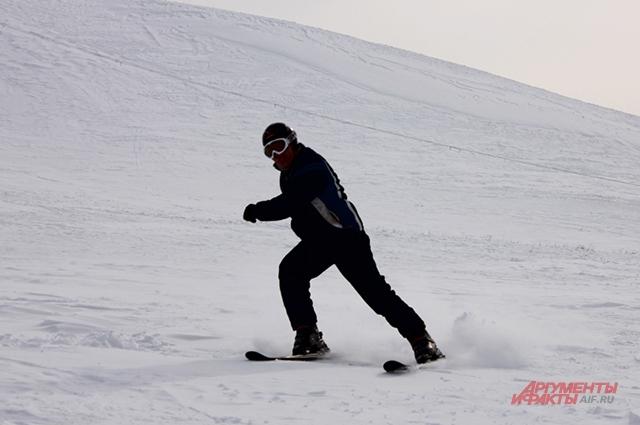 Пётр Григорьев сам недавно встал на горные лыжи