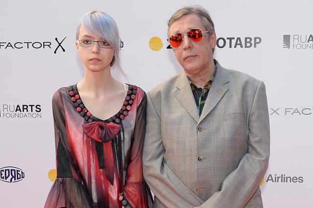 Михаил Ефремов с дочерью Анной-Марией.