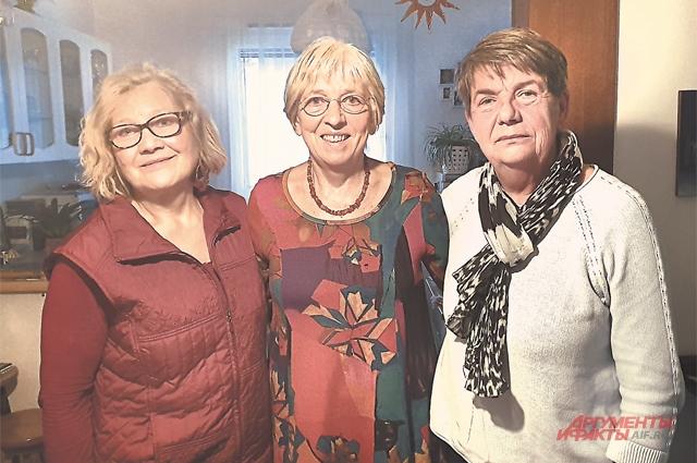 Слева направо: Ханни Фасслер, Элеонора Дюпуи, Вера Гансволь – дочери советских солдат. Одна нашла отца, две до сих пор ищут.