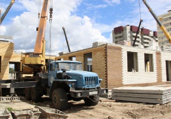 Построенными зданиями люди будут пользоваться долгие годы.