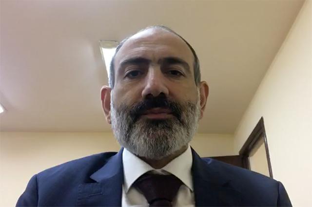 Премьер-министр Армении Никол Пашинян во время своего обращения к гражданам Армении.