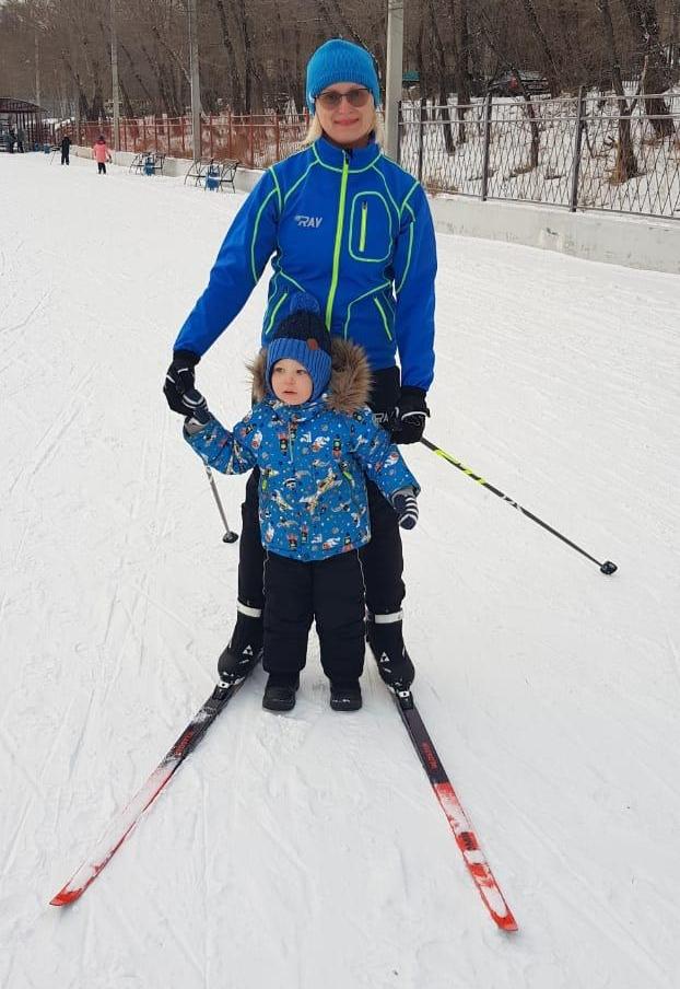 Ольга Александровна выбирает для себя активный отдых и прививает любовь к спорту своему любимому внуку.
