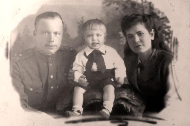 Первенец Юра родился во время войны с японцами