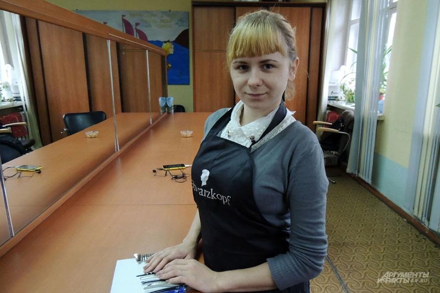 Алина Прудникова говорит, что все женщины должны владеть парикмахерским искусством, чтобы всегда хорошо выглядеть