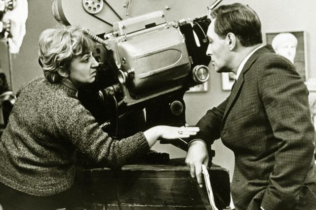 Татьяна Лиознова и Вячеслав Тихонов на съёмках сериала «Семнадцать мгновений весны», 1973 год.